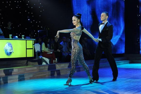 Yến Trang tỏa sáng với điệu nhảy Quickstep ảnh 7