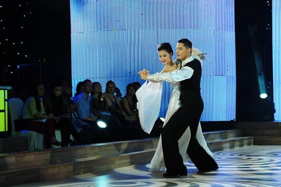 Yến Trang tỏa sáng với điệu nhảy Quickstep ảnh 10