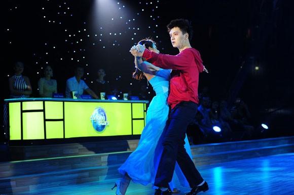 Yến Trang tỏa sáng với điệu nhảy Quickstep ảnh 4