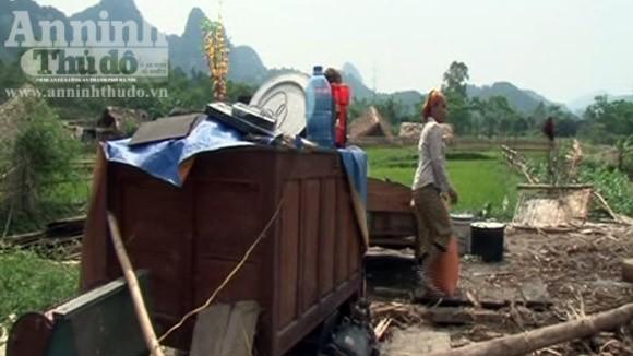 Lốc xoáy tàn phá hơn 20 ngôi nhà, nhiều người bị thương ảnh 2