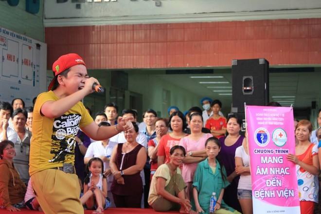 Dương Triệu Vũ - Thanh Thúy mang tiếng hát gửi tặng bệnh nhân nghèo ảnh 12