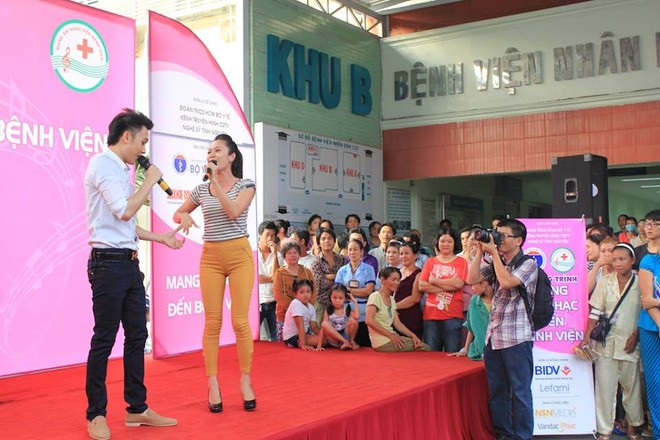 Dương Triệu Vũ - Thanh Thúy mang tiếng hát gửi tặng bệnh nhân nghèo ảnh 1