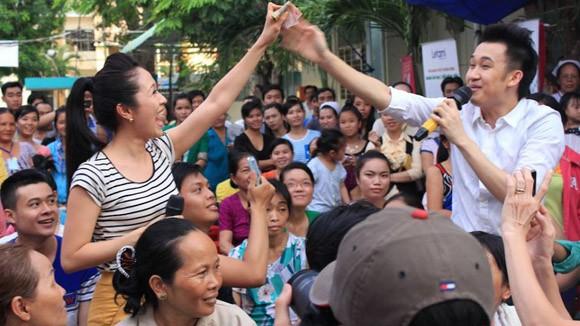 Dương Triệu Vũ - Thanh Thúy mang tiếng hát gửi tặng bệnh nhân nghèo ảnh 7
