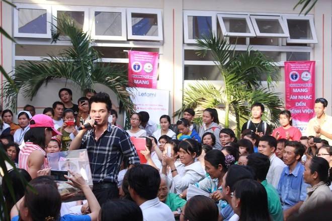 Dương Triệu Vũ - Thanh Thúy mang tiếng hát gửi tặng bệnh nhân nghèo ảnh 8
