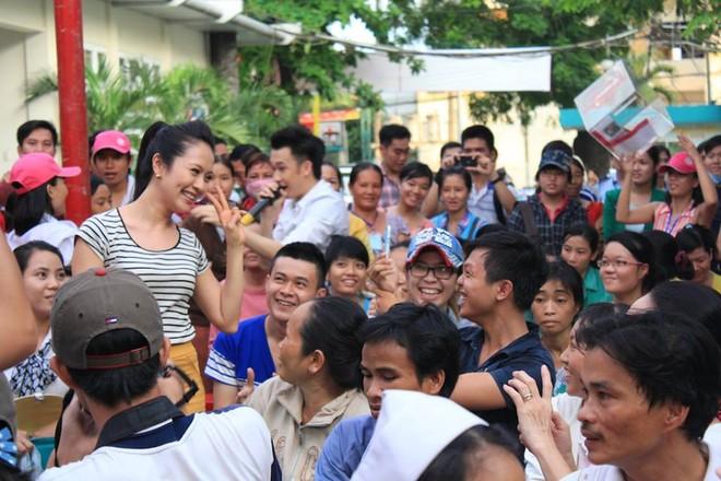 Dương Triệu Vũ - Thanh Thúy mang tiếng hát gửi tặng bệnh nhân nghèo ảnh 4