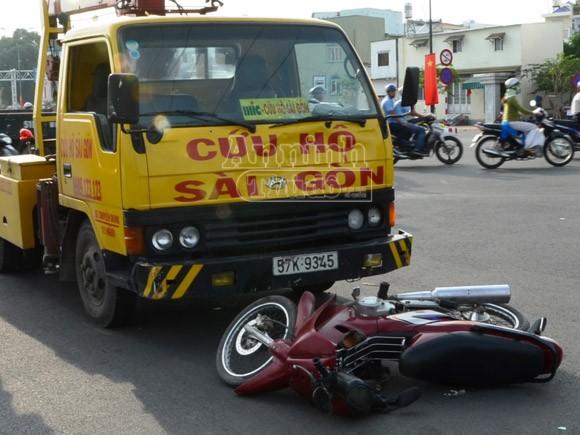 Xe cứu hộ gây tai nạn trên tuyến đường nội đô đẹp nhất TP Hồ Chí Minh ảnh 1