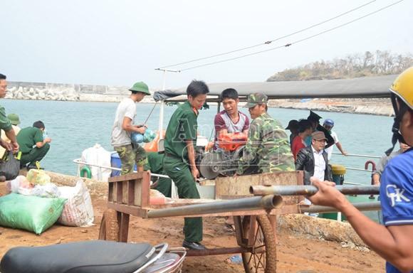 Đảo Cồn Cỏ tan hoang sau bão, cần hỗ trợ khẩn cấp ảnh 10