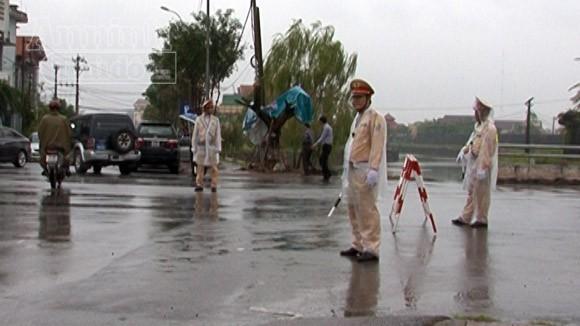 Quảng Bình: Đảm bảo TTATGT trong những ngày diễn ra Lễ Quốc tang Đại tướng ảnh 1
