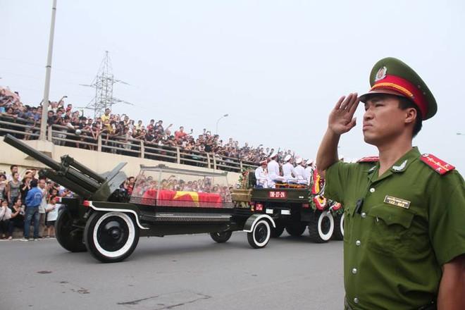 Đại tướng Võ Nguyên Giáp: Quốc sử lưu danh, lòng dân tạc tượng! ảnh 15