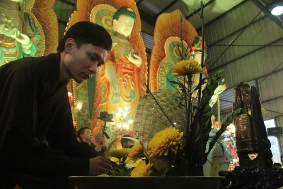 Về Quảng Ninh ghé thăm lễ hội hoa cúc ảnh 9