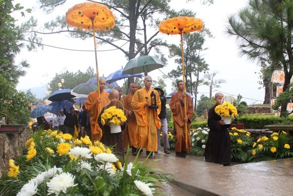Về Quảng Ninh ghé thăm lễ hội hoa cúc ảnh 4
