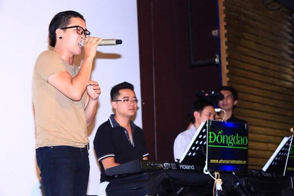 Đội Quốc Trung: Sẽ chỉ hát các ca khúc tiếng Việt ảnh 1