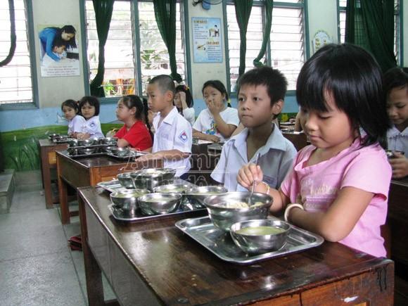 """Vụ nhà bếp """"ăn cắp"""" thức ăn của học sinh tiểu học: Hiệu trưởng đổ vấy hiệu phó ảnh 1"""
