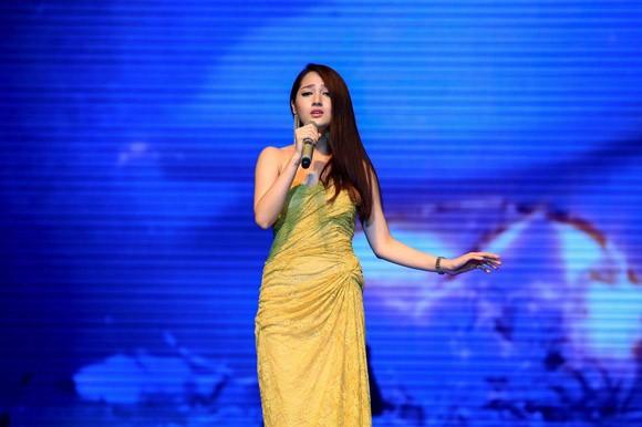 Mặc scandal, Đàm Vĩnh Hưng ẵm trọn Bài hát yêu thích tháng ảnh 6