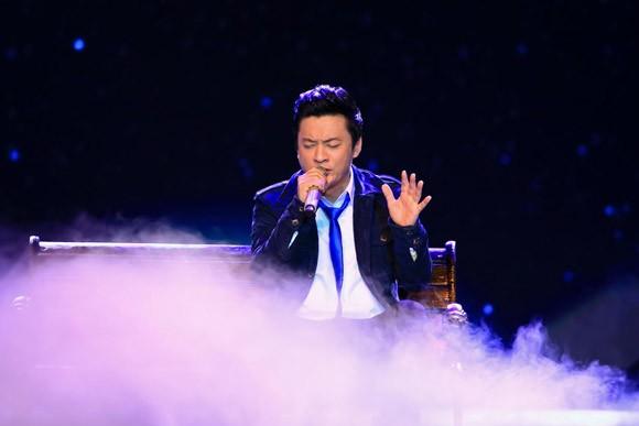 Mặc scandal, Đàm Vĩnh Hưng ẵm trọn Bài hát yêu thích tháng ảnh 12