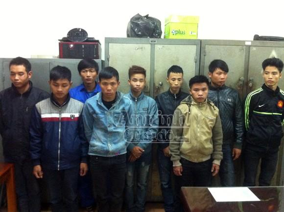 10 thanh niên sa vòng lao lý vì cướp 1 chiếc xe máy ảnh 1