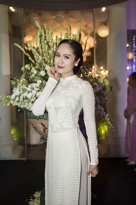 Thanh Thuý tinh khôi trong tà áo dài trắng ảnh 5