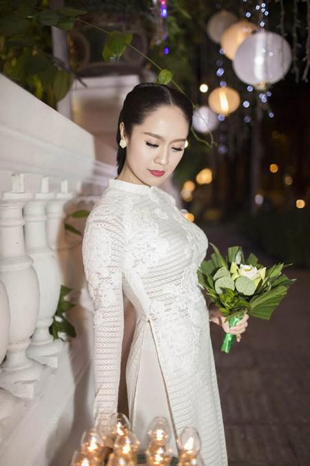Thanh Thuý tinh khôi trong tà áo dài trắng ảnh 4