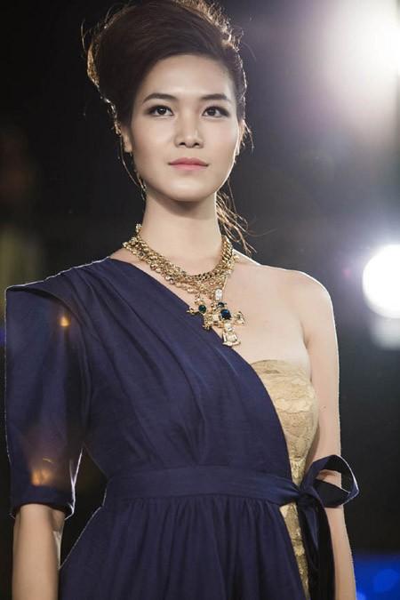 Hoa hậu Thùy Dung trở lại sàn catwalk sau thời gian dài vắng bóng ảnh 7