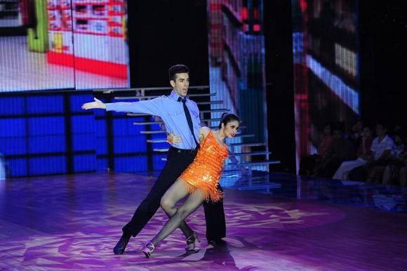 Bước nhảy hoàn vũ 2014 khai màn đầy ấn tượng ảnh 9