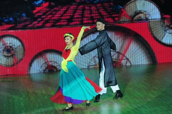 Bước nhảy hoàn vũ 2014 khai màn đầy ấn tượng ảnh 12