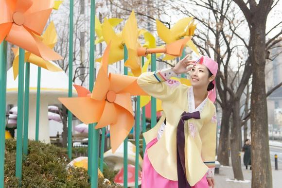 Hoa hậu Ngọc Hân hoá thân thành… công chúa Hàn Quốc ảnh 6