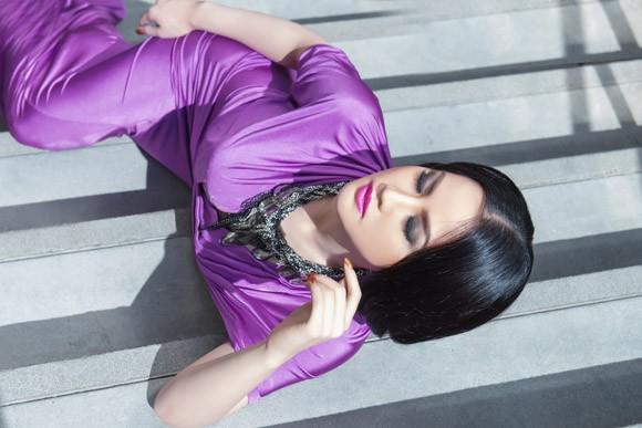 """Ngắm đường cong """"chết người"""" của Hoa hậu Tristine Trâm Bùi ảnh 2"""