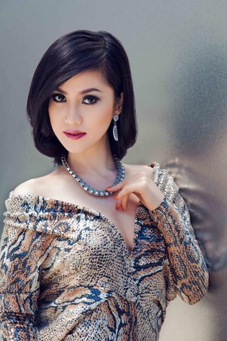 """Ngắm đường cong """"chết người"""" của Hoa hậu Tristine Trâm Bùi ảnh 9"""
