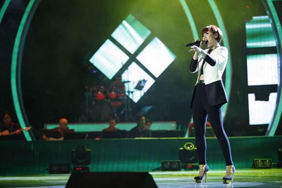 Top 9 bứt phá ngoạn mục trong đêm Gala 1 Vietnam Idol ảnh 3