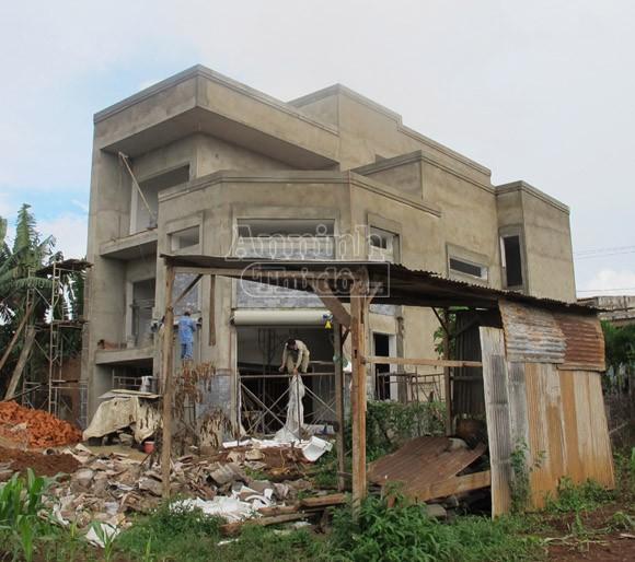 Nhà nhỏ đập bỏ… nhà to cho xây (!) ảnh 3