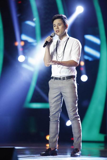 Đông Hùng bất ngờ lọt top nguy hiểm, Anh Quân chia tay Vietnam Idol ảnh 6
