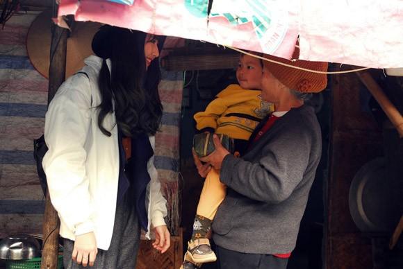 Trúc Diễm, Minh Béo gói bánh chưng, bánh tét tặng người nghèo ảnh 20