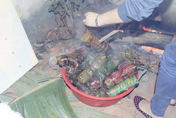 Trúc Diễm, Minh Béo gói bánh chưng, bánh tét tặng người nghèo ảnh 16