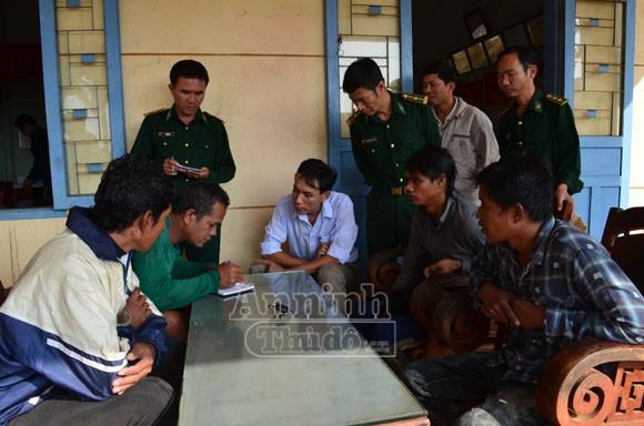 Bàn giao, đưa 4 ngư dân Philippines bị nạn về nước ảnh 1