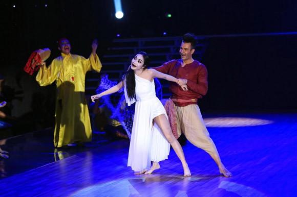 """Ốc Thanh Vân """"hóa ma"""", đưa """"Bước nhảy hoàn vũ"""" lên top đầu BXH ảnh 1"""