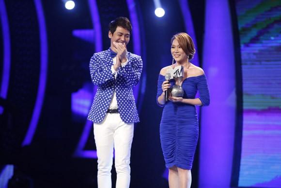 """Mỹ Tâm chính thức nhận cúp """"Nghệ sĩ được yêu thích nhất khu vực Đông Nam Á"""" ảnh 7"""