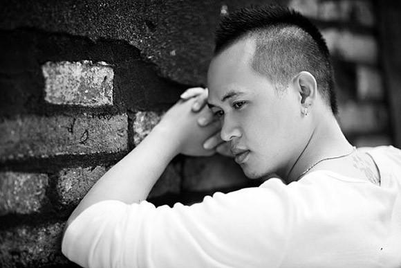 """Chàng trai gây """"sốt"""" tại Giọng hát Việt hát xuất hiện trên sân khấu lớn ảnh 1"""