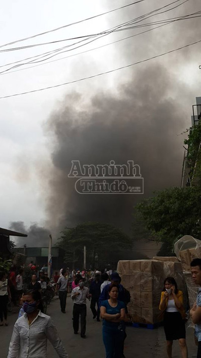 Toàn cảnh đám cháy lớn xảy ra tại công ty Diana ảnh 1