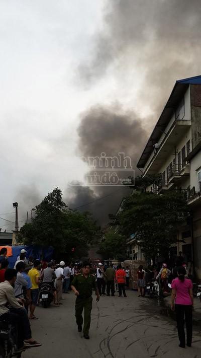 Toàn cảnh đám cháy lớn xảy ra tại công ty Diana ảnh 2