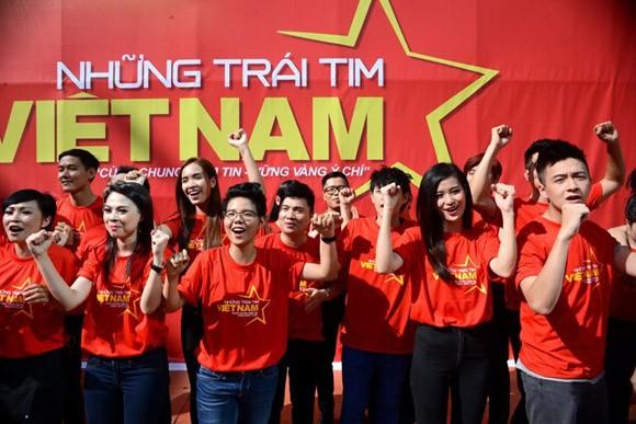 """Xúc động và tự hào """"Những trái tim Việt Nam"""" ảnh 4"""