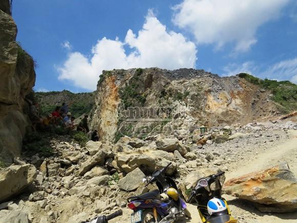Tai nạn khi nổ mìn khai thác đá, 5 công nhân thiệt mạng ảnh 1