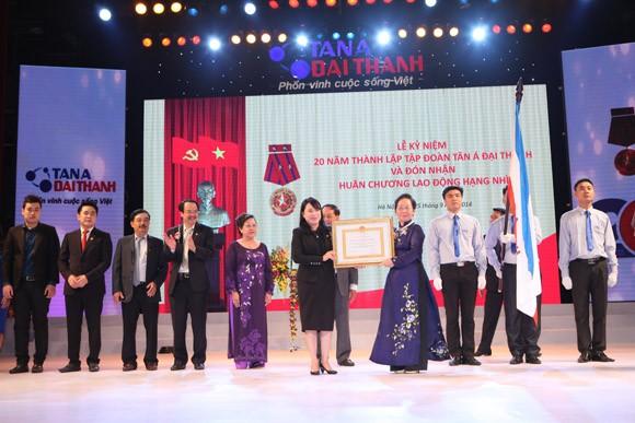 Tập đoàn Tân Á Đại Thành đón nhận Huân chương lao động hạng Nhì ảnh 1