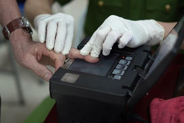 CAP Trung Văn nỗ lực phục vụ nhân dân làm thủ tục cấp căn cước gắn chíp ảnh 2