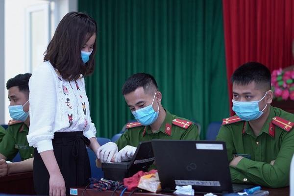 CAP Trung Văn nỗ lực phục vụ nhân dân làm thủ tục cấp căn cước gắn chíp ảnh 5