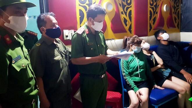 [Tin nhanh tối 24-8-2020] Mang ma túy vào Việt Nam, người phụ nữ Malaysia bị tuyên án tử hình ảnh 2