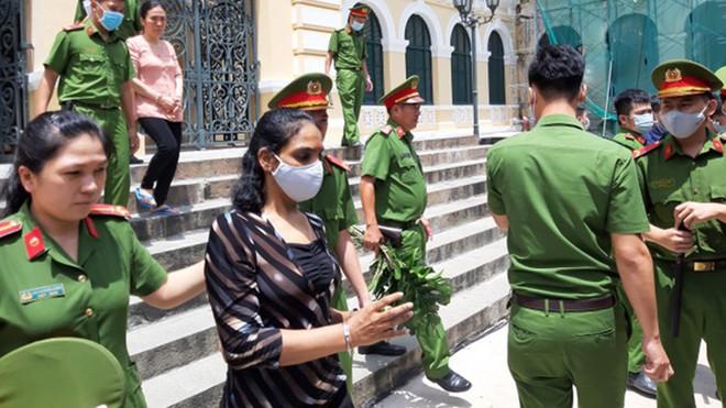 [Tin nhanh tối 24-8-2020] Mang ma túy vào Việt Nam, người phụ nữ Malaysia bị tuyên án tử hình ảnh 1
