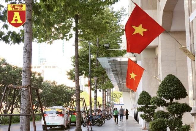 [ẢNH] TP.HCM rực rỡ cờ hoa trong ngày Quốc khánh 2-9 ảnh 12