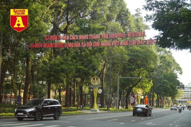 [ẢNH] TP.HCM rực rỡ cờ hoa trong ngày Quốc khánh 2-9 ảnh 16