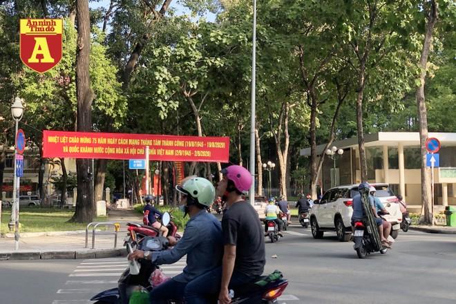 [ẢNH] TP.HCM rực rỡ cờ hoa trong ngày Quốc khánh 2-9 ảnh 18