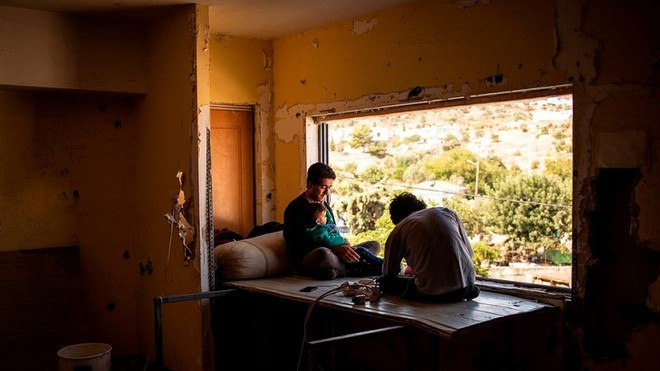 Cháy trại tị nạn ở Hy Lạp: Nỗi lo bùng phát đại dịch Covid 19 trong 13.000 người ảnh 9